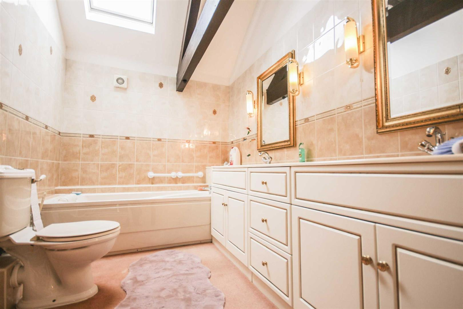 3 Bedroom Barn Conversion For Sale - Image 11